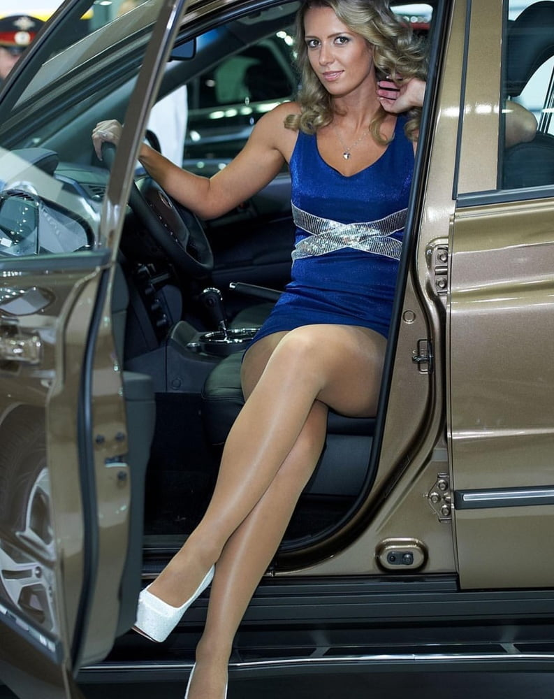 pantyhose-legs-in-cars