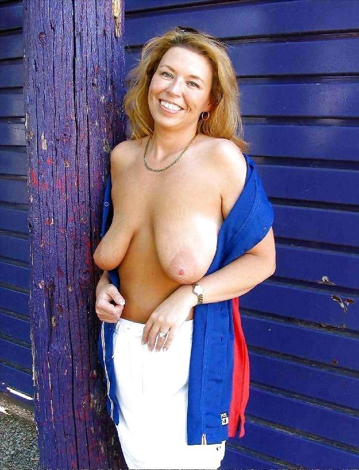 Saggy Tits Pics, Floppy Boobs