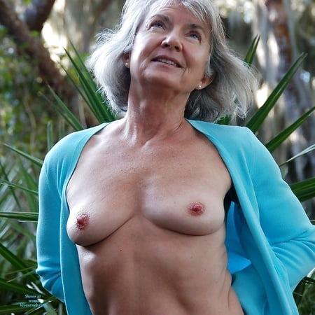 Nackt grauhaarige frauen German porn