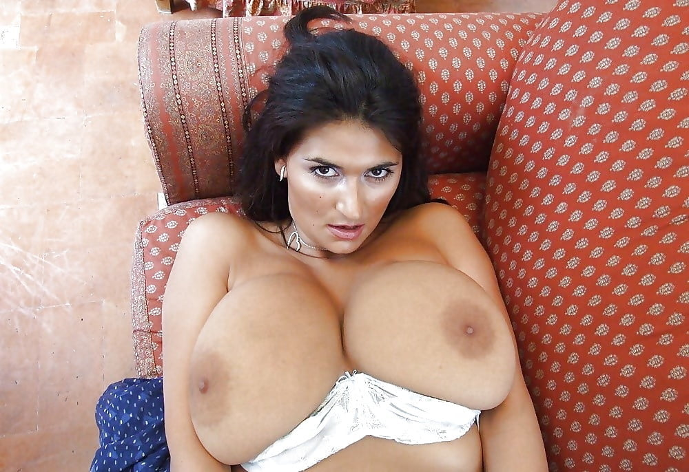Italian Bigtits Porn Pics
