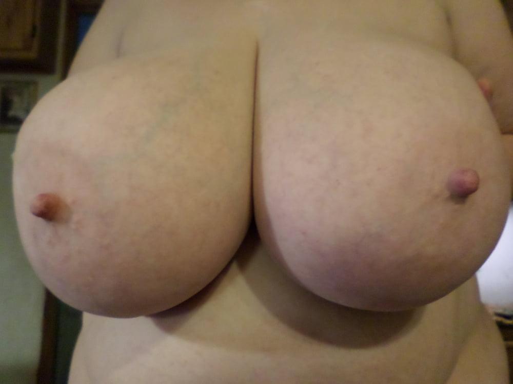 Natural boobs threesome-2941