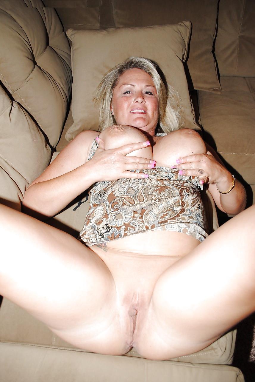 Plump naked mature women