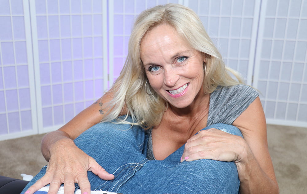 Older women masturbation tube