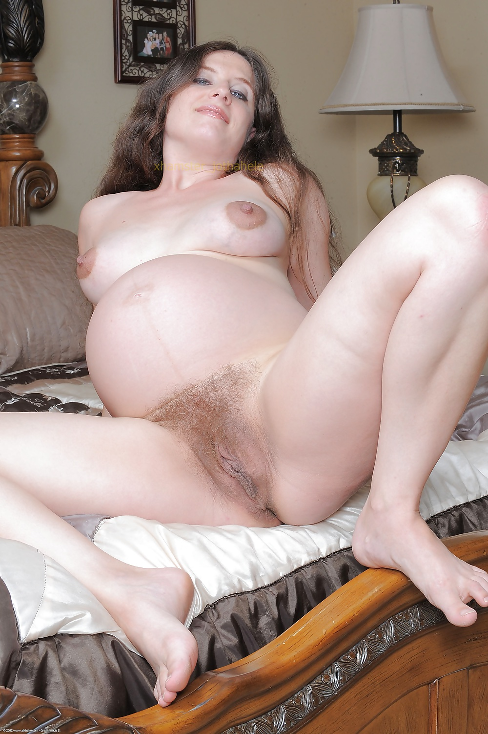 Pregnant brunette pussy