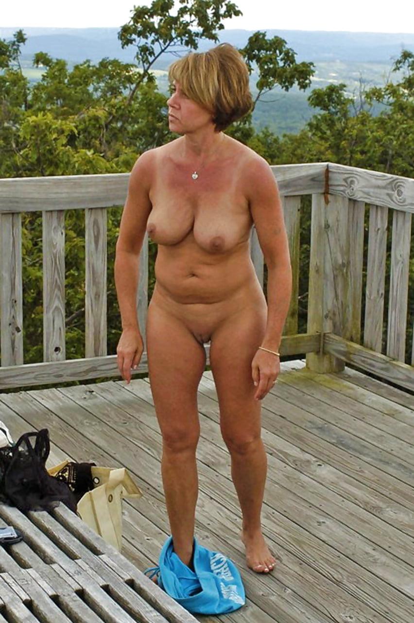women-doing-yardwork-naked-angel-kelly-threesome-sahara