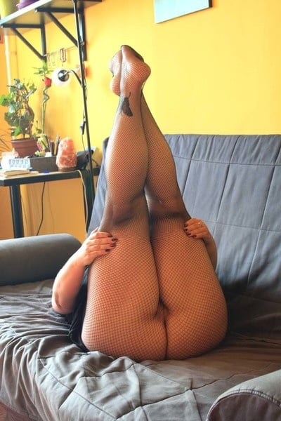 Huge black pussy amateur