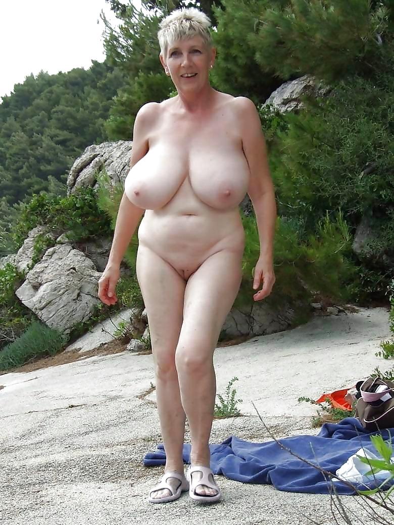 Фото голых старых дам с большими сиськами, дамы попки видео