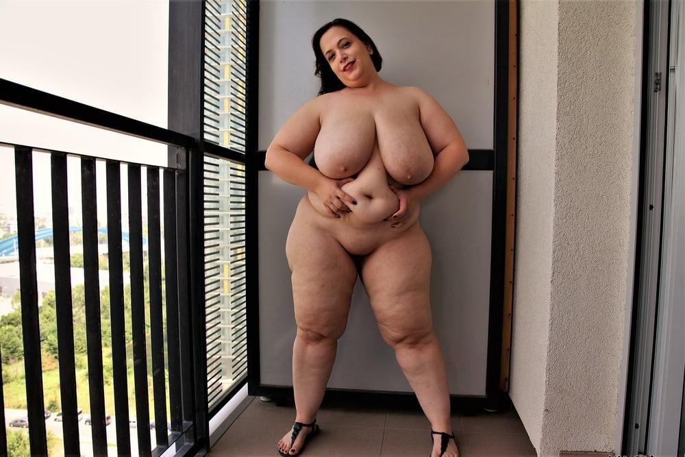 раком голые женщины толстые фото этом