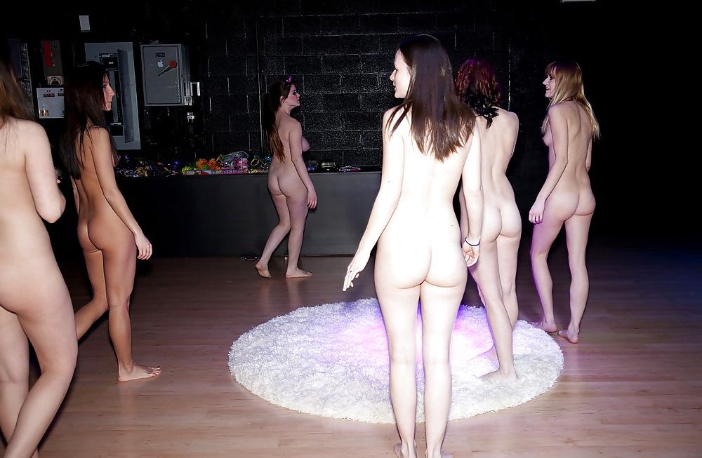 pyjama-party-nudes-itch-masturbation
