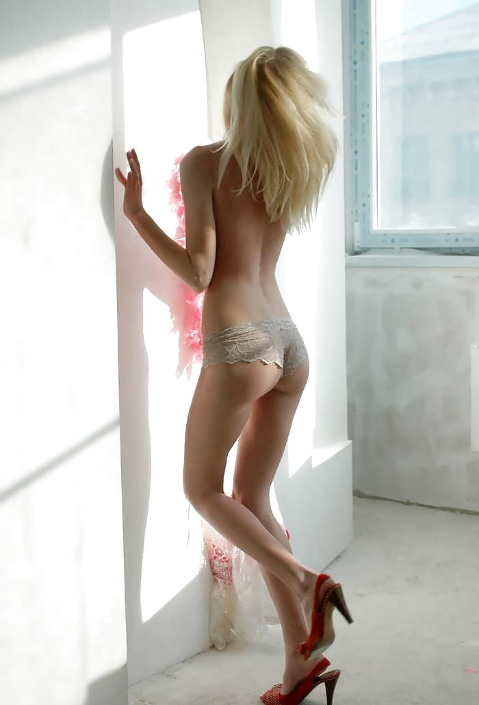 Naked ass skinny babe, lovely porno picture