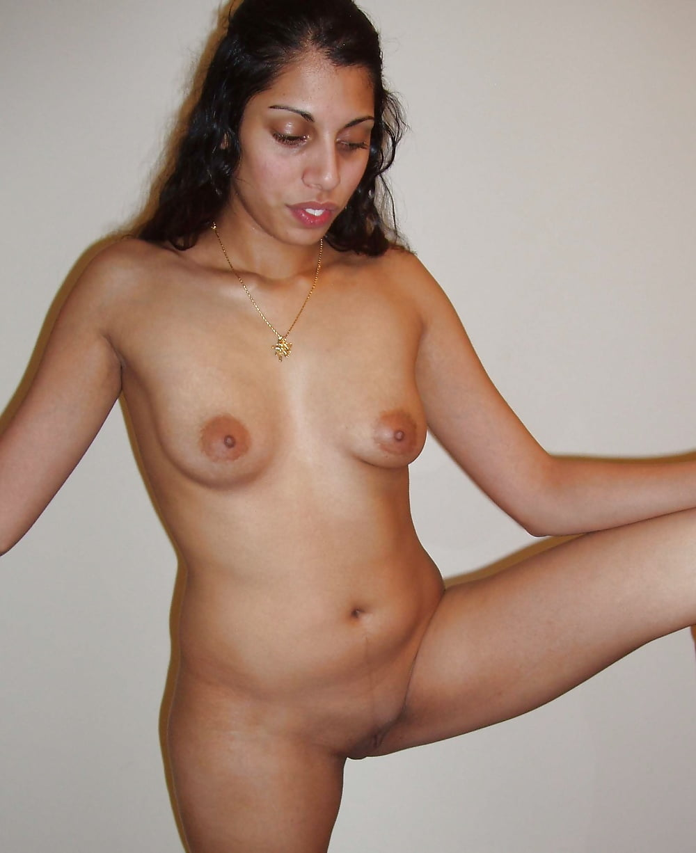 sexy-nude-indian-college-women-make-me-a-supermodel-nude-pics