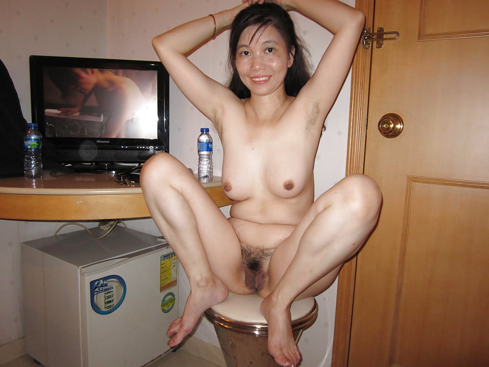 Pee hong kong milf boob