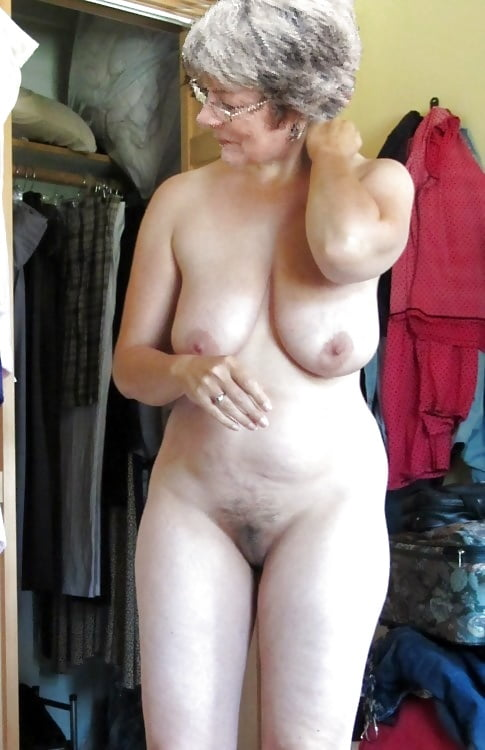 Attractive Old Senior Naked Lady Pictures Gif