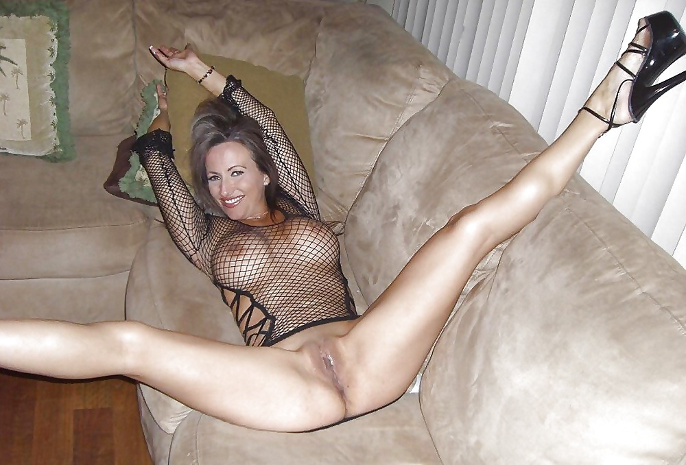 Amateur naked in heels #4