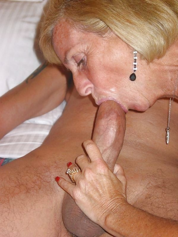 horny-granny-blowjob-naked-women-fingerings-each-other