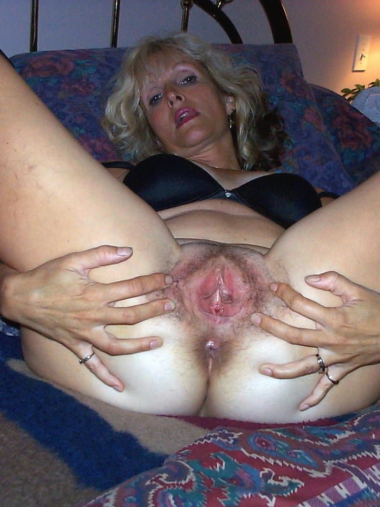 Mature hairy cunt photos