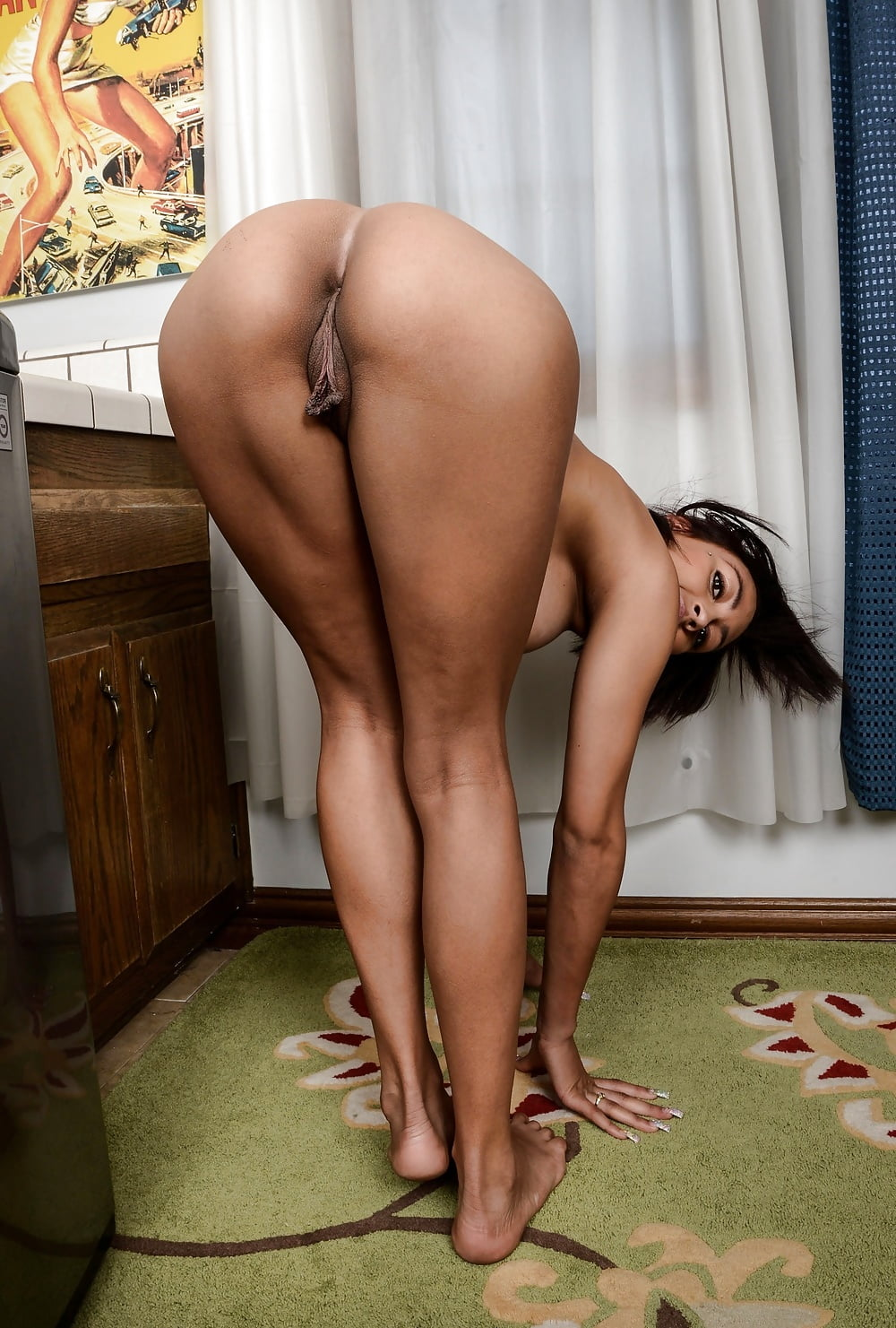 Latina butt legs nude, brittany ambers soaked in cum