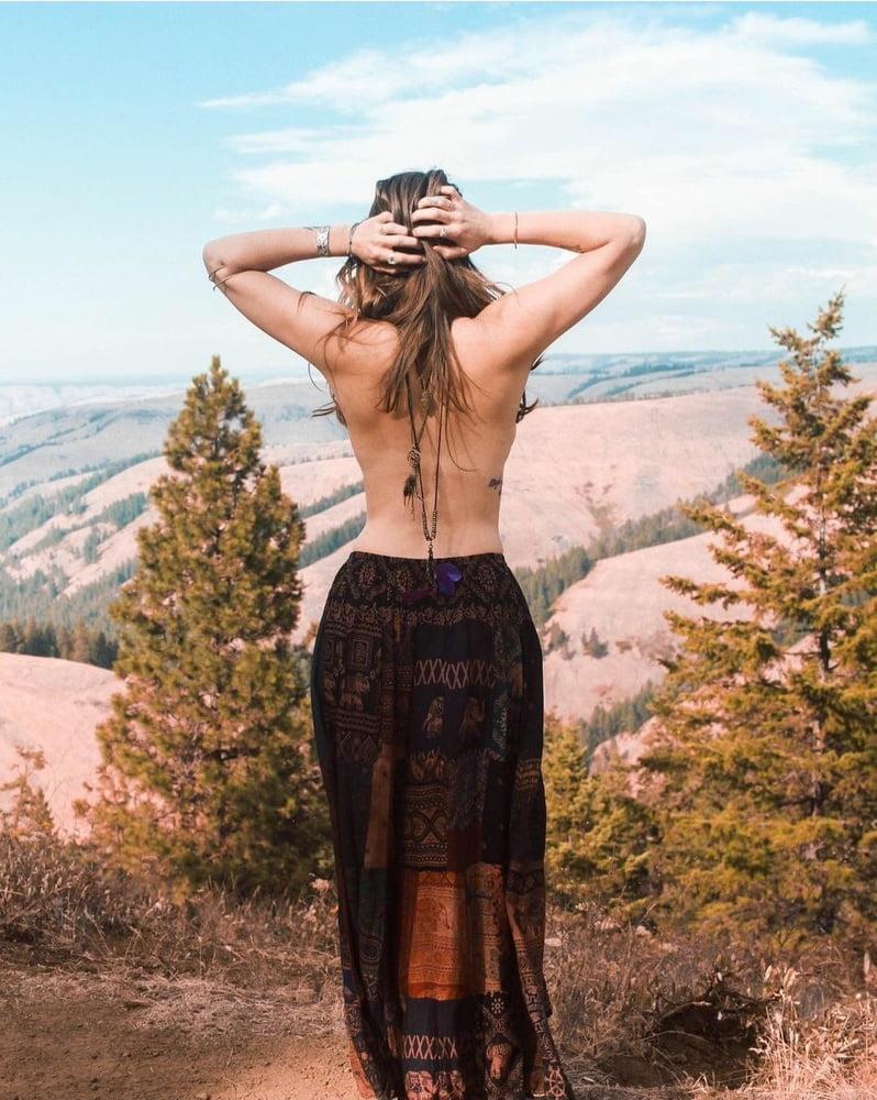 Holistic Nicole Mace - 49 Pics