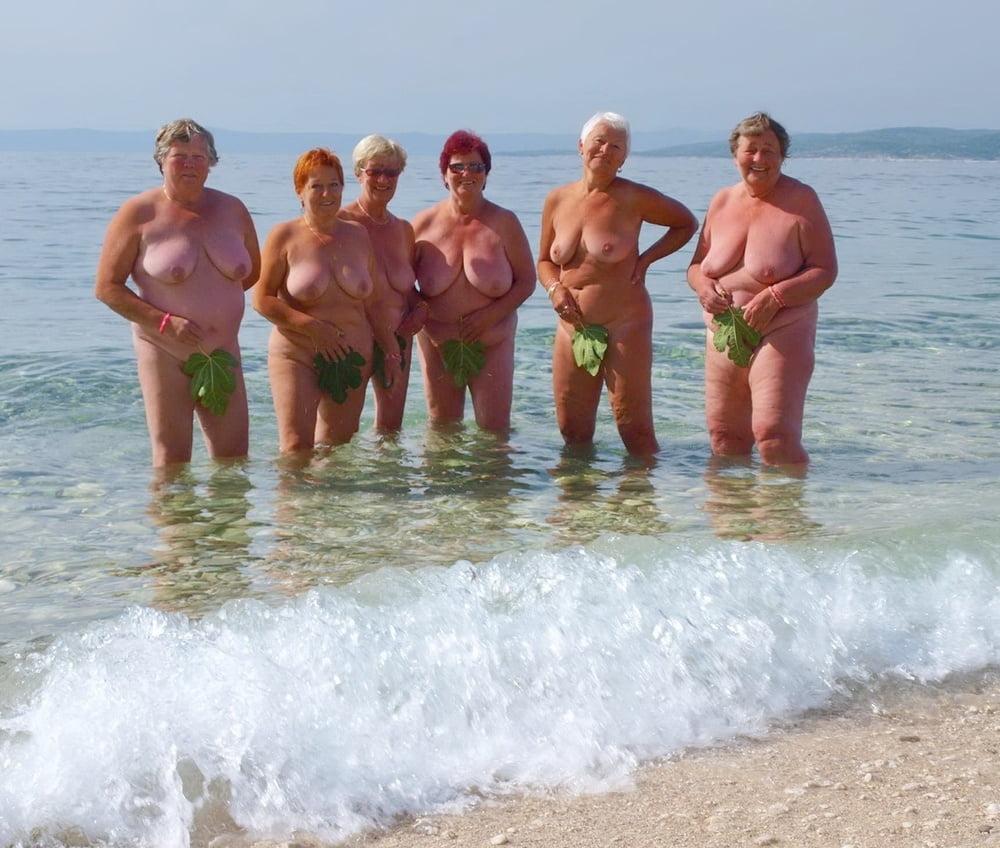 More grannies and matures - 115 Pics