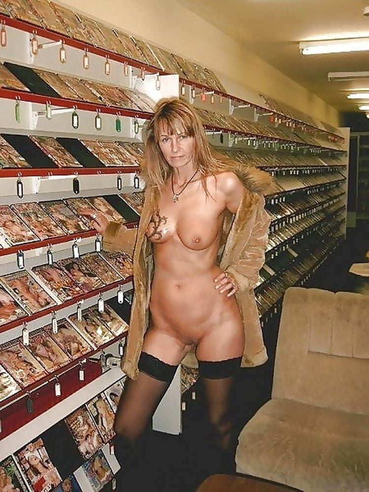 pole-dancing-wife-naked-in-adult-bookstore