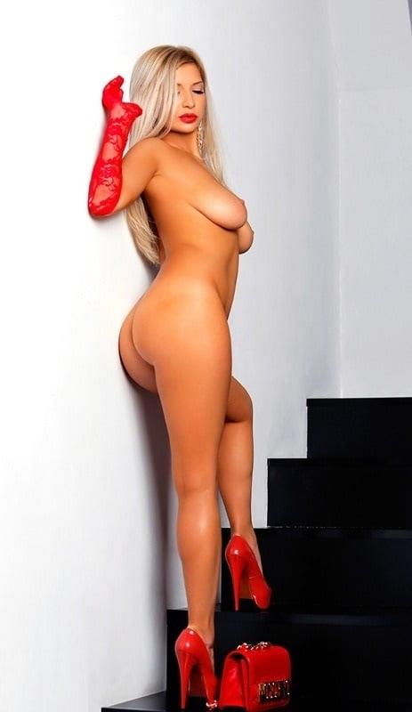 Hot horny busty milf