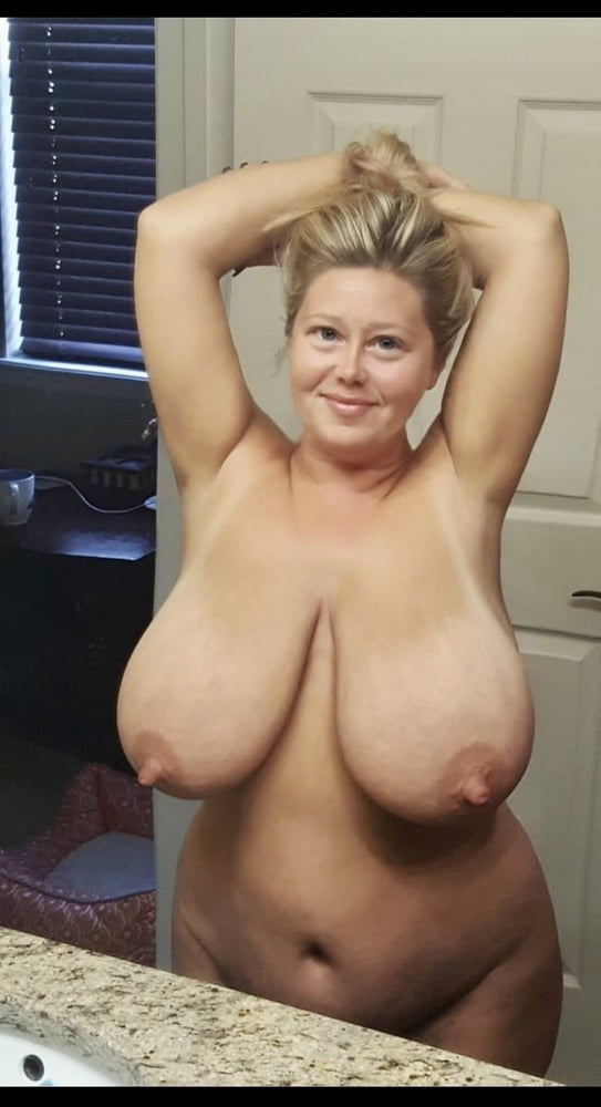 Big Titty Snowbunni - 100 Pics