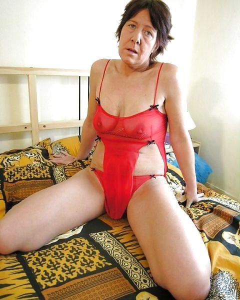 Older women mastabating-6136