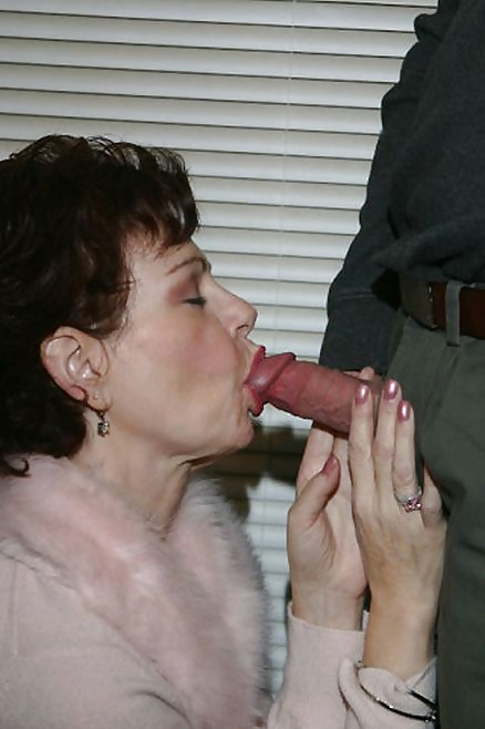 Mommy loves to suck
