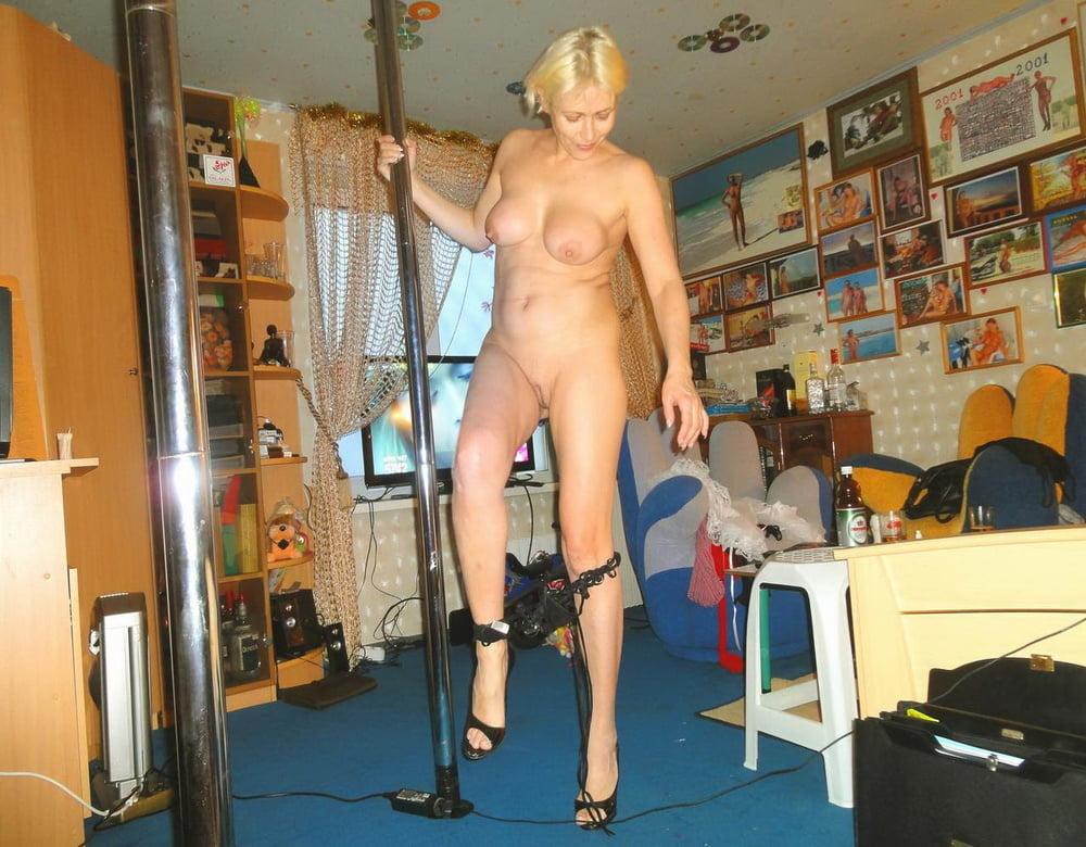 корпус домашний частный стриптиз зрелой женщины видео трахает негриитянку потом