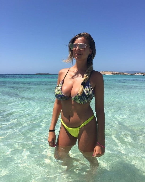 Busty Babes Picturies