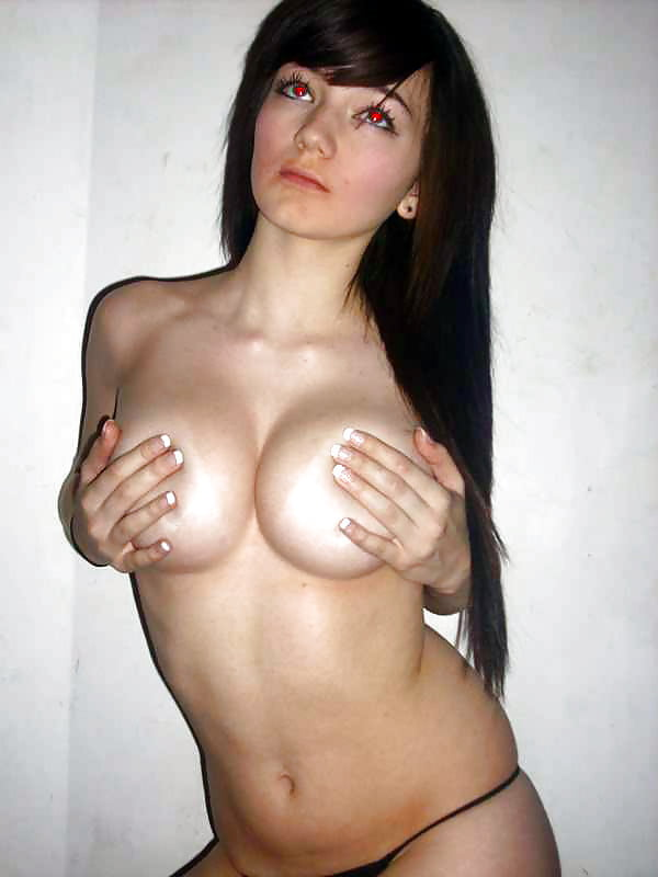 Whore 7 - 33 Pics