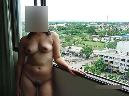 Nude in Hotel