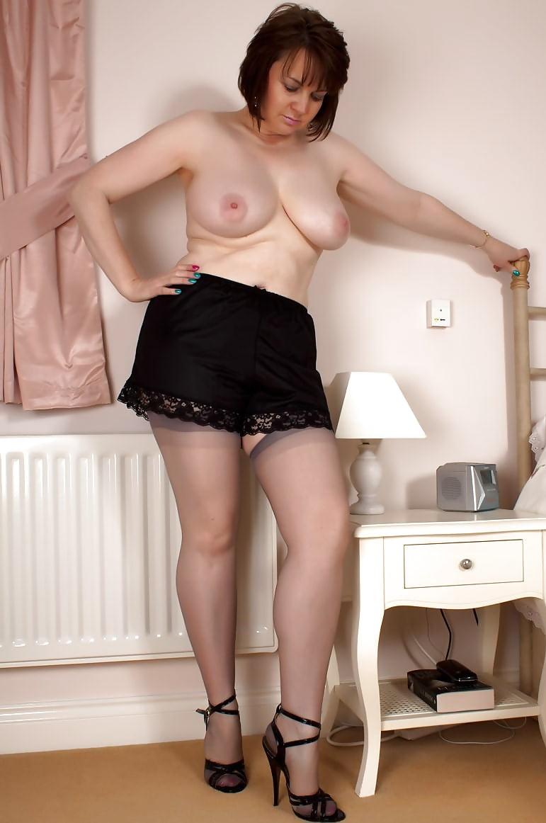 Bbw matures medium big tits mature sex images