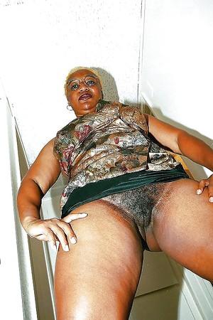 black mature nude women