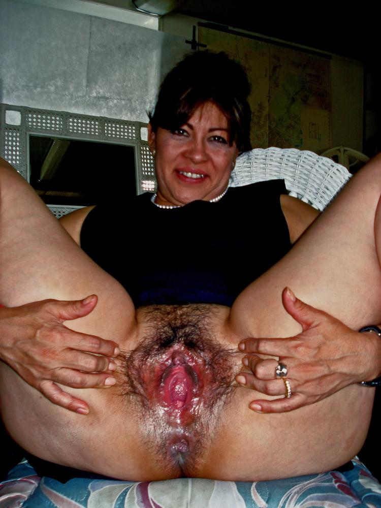 Milf pussy big Moms Porn