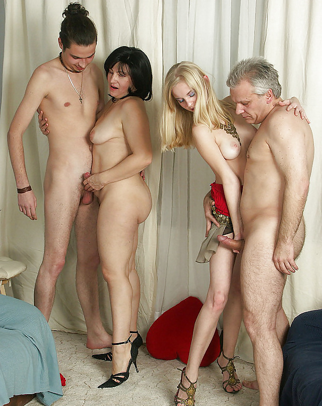 Family free pics watch download and enjoy family porn