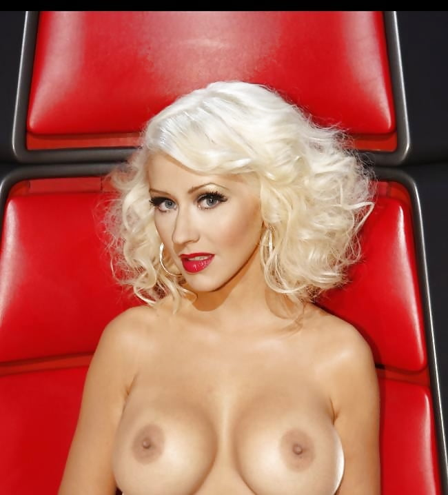 Christina aguilera butt pics