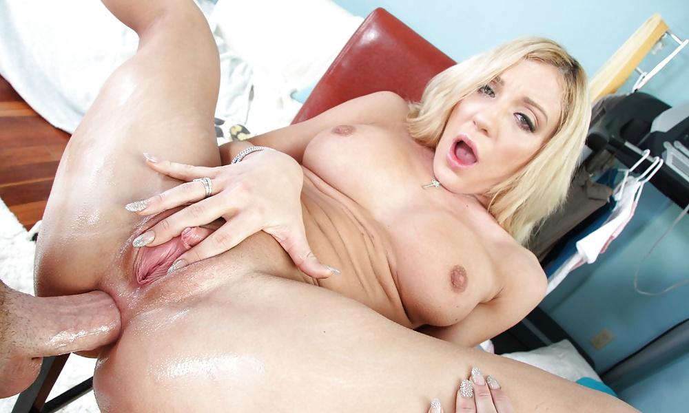 Elle brooke porn photo free photo leaked shows