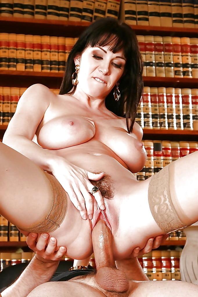 middle-age-pornstars-free-sex-pics-naked-vanessa-minnillo