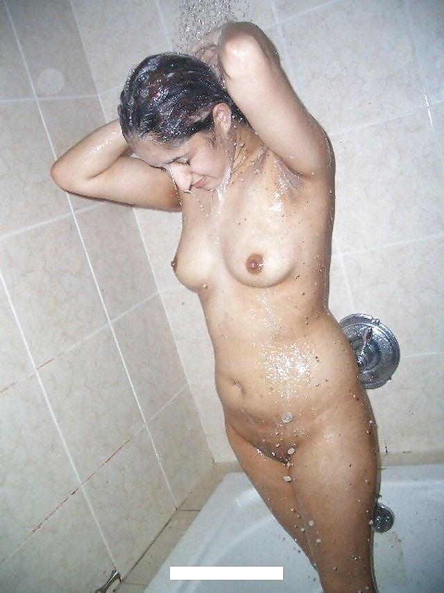 Arab girls naked bath, net cafe sex video