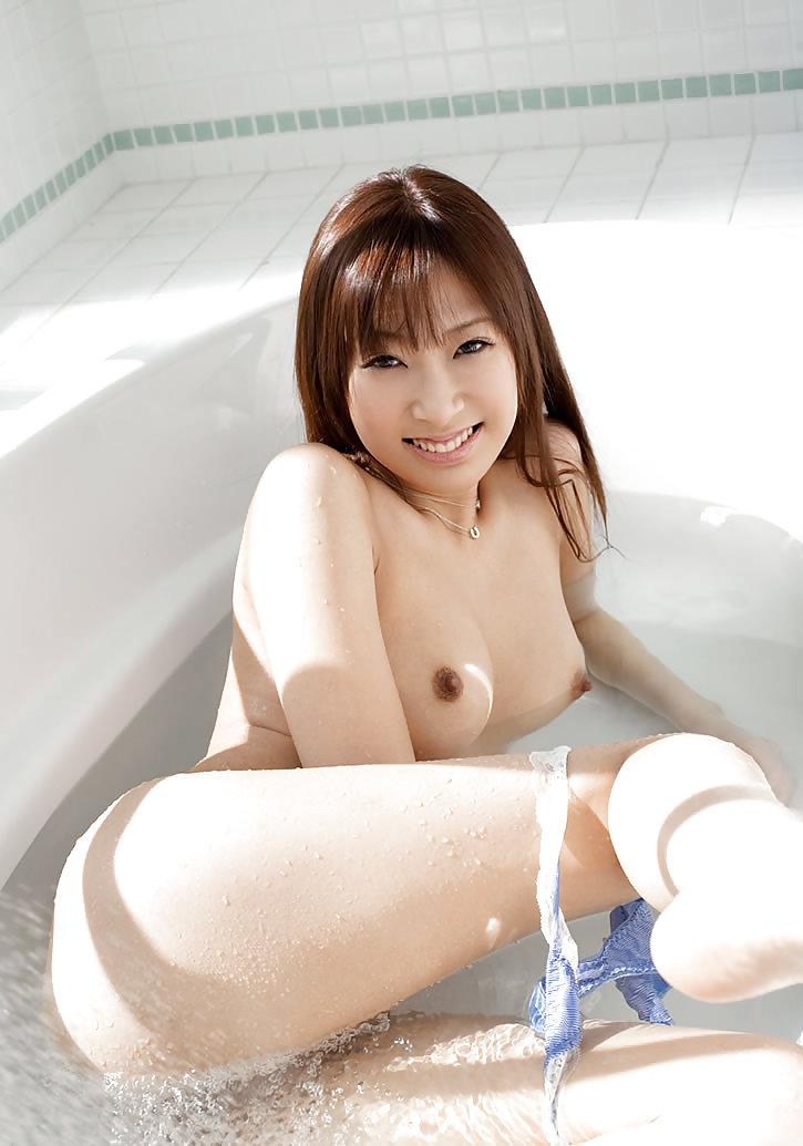 Young beautiful girl nude