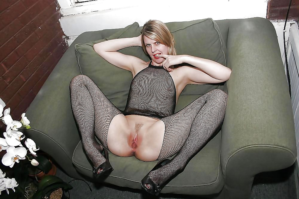 Трахаются анал жена голая широко раздвинула ноги фото фото японочек