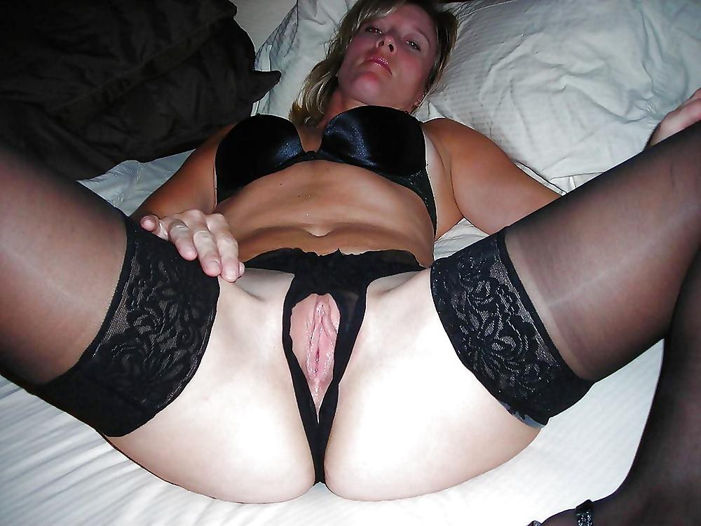 Nude mature panties