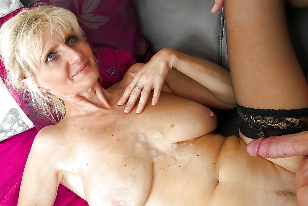 Granny Huge Clit Masturbating