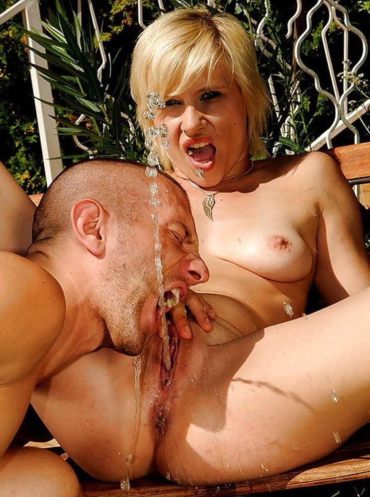 Секси телочки ебут ссытся смотреть