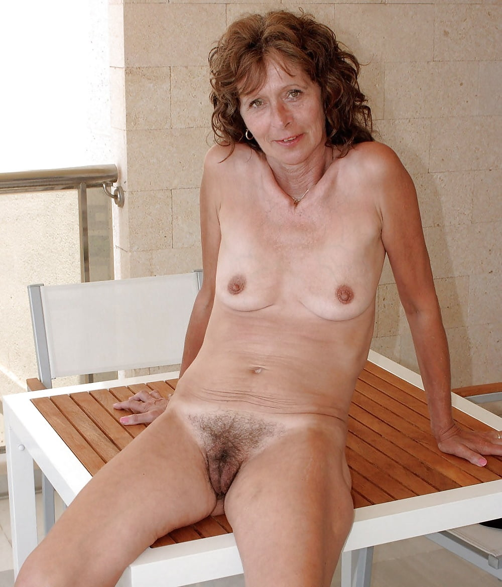 xxx-mature-small-breasts-naked-girl-rio