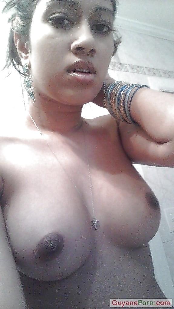 Desi Selfies - 32 Pics - Xhamstercom-8308