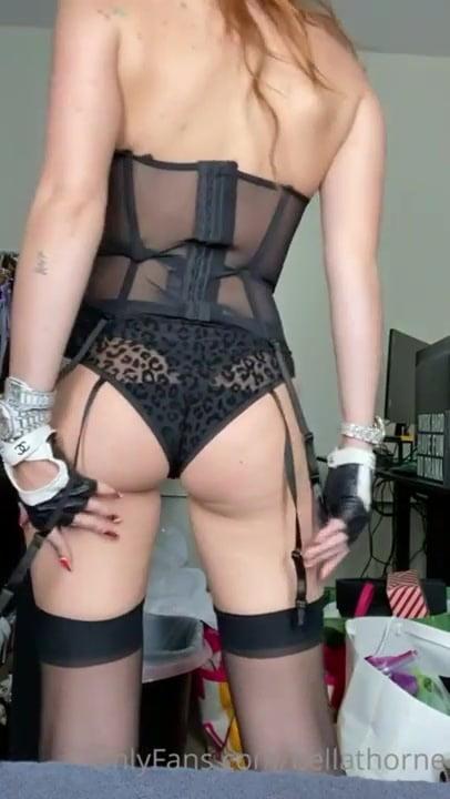 Bella Thorne - 74 Pics