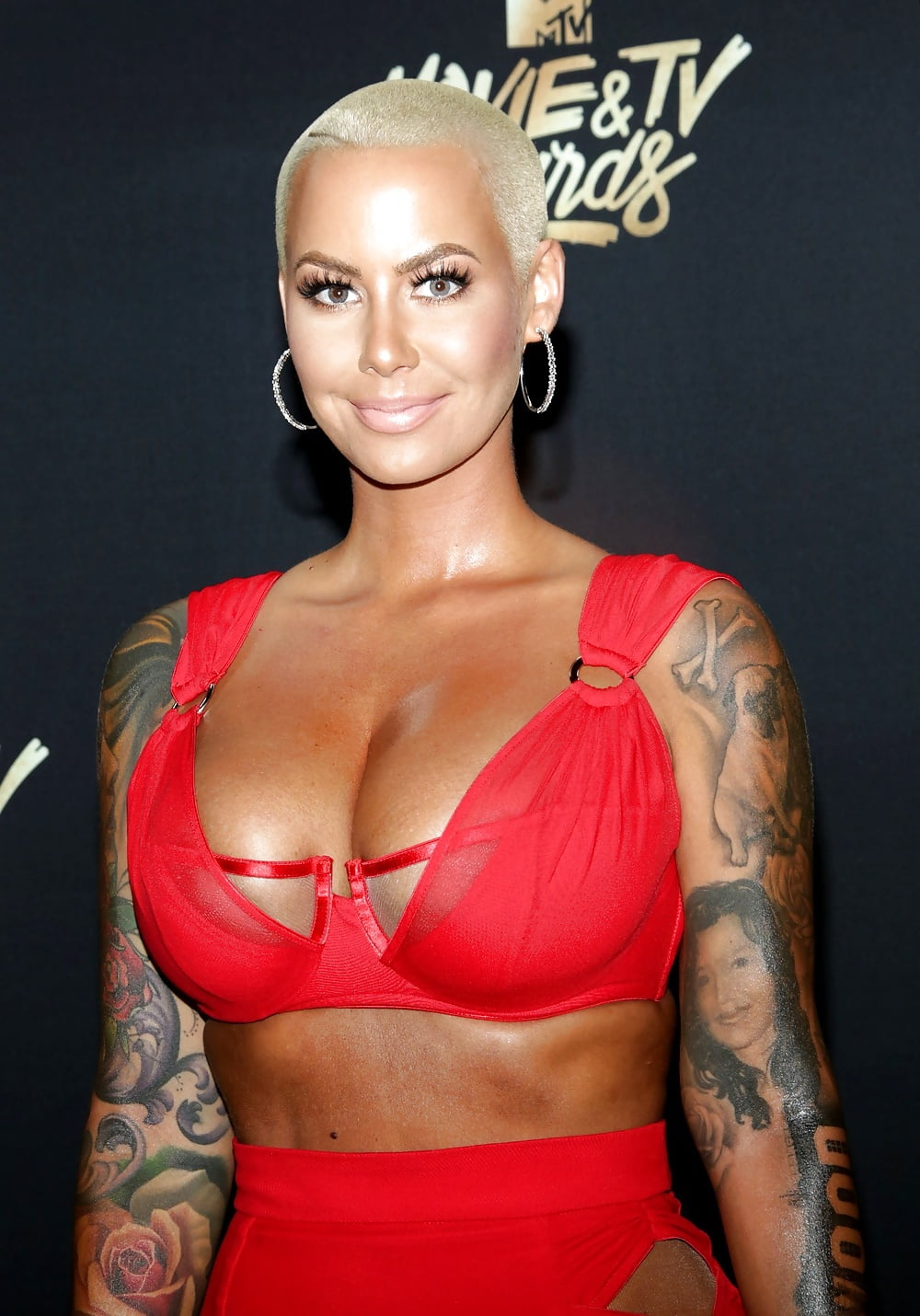 Breast Reduction Surgery Like Amber Rose What To Know Before Hollywood Life
