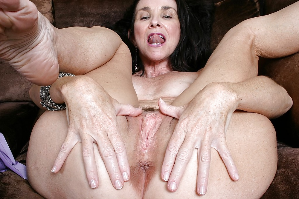 Grandmas clit sex photos, g string strapon